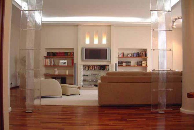 интерьер однокомнатной квартиры с балконом
