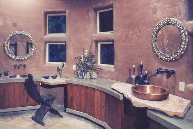 интерьер квартиры с натяжным потолком вишневого цвета