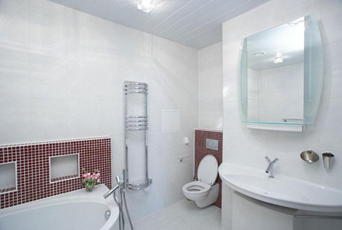 интерьер ванной комнаты с душевой